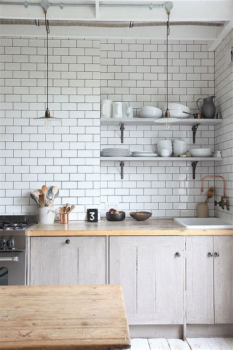 ways  lay subway tiles   bathroom  kitchen