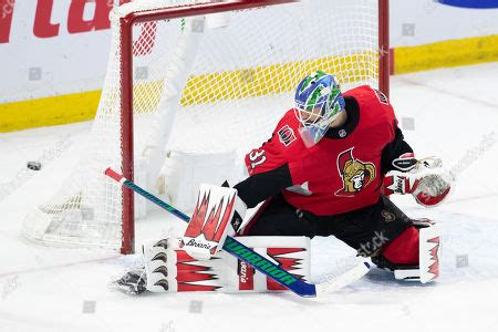 Lots of nhl teams may think that ottawa will give them an easy game, but that he hopes ottawa can surprise a lot of teams. Colorado Avalanche v Ottawa Senators Stock Photos ...
