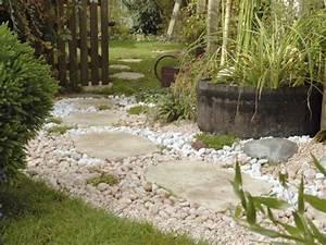 une allee stylee pour mon jardin With decoration exterieur pour jardin 12 deco idee studio 18m2