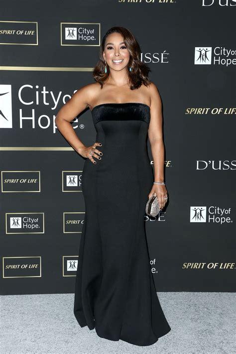 GLORIA GOVAN at City of Hope Gala in Los Angeles 10/11 ...