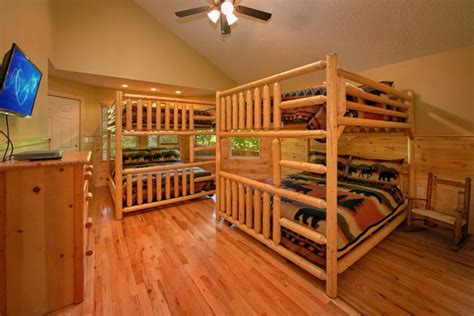 br gatlinburg luxury log cabin  game room  chalet village gatlinburg cabins