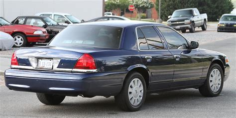 2006 Ford Crown Victoria Information And Photos