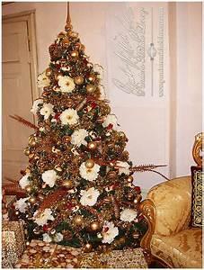 Weihnachtsbaum Komplett Geschmückt : weihnachtsdeko nostalgie weihnachtsbaum weihnachtsmann christmas dekorationen ~ Markanthonyermac.com Haus und Dekorationen