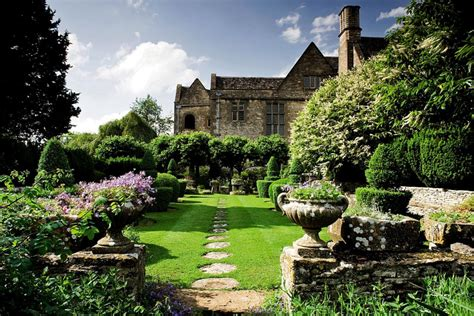 37 Lovely Modern English Country Garden Design Ideas