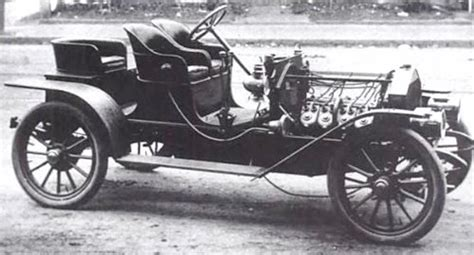 The First American Factory-made Car With A V8