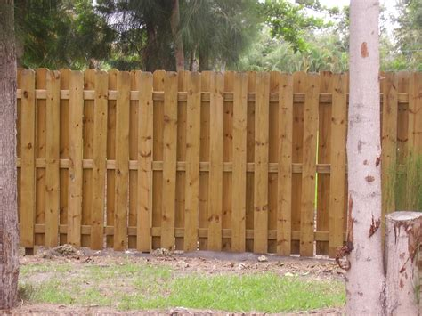 Awesome Great Front Yard Privacy Fence Ideas W
