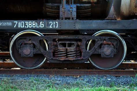wheels schienen rostigen zug r 228 der auf schienen stockfoto colourbox