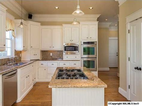 kitchen island with sink and stove top kitchens to kitchens stove on light 9810