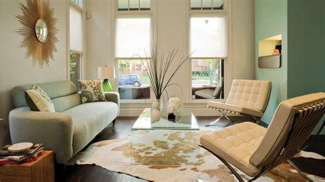 Use Modern Classics   106 Living Room Decorating Ideas