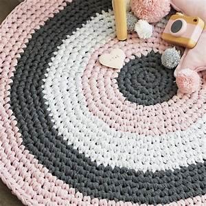 Teppich Filzen Anleitung : geh kelter runder teppich anleitung diy stoffe ~ Lizthompson.info Haus und Dekorationen