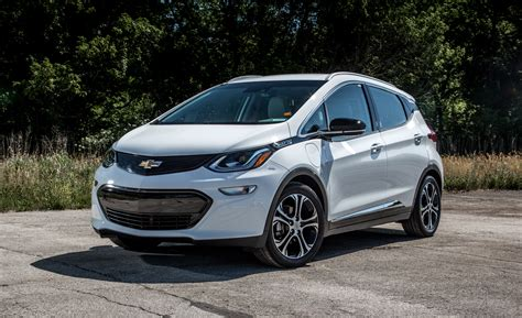 New Ev Cars 2017 by 2017 Chevrolet Bolt Ev Cars Exclusive And Photos