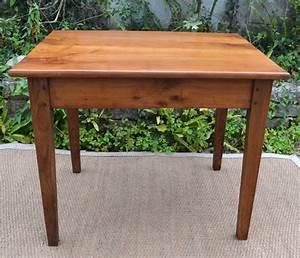 Petite Table Bureau : petite table ou bureau en bois cir ~ Teatrodelosmanantiales.com Idées de Décoration