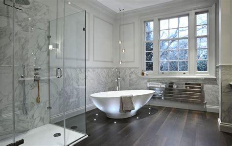 luxury bathroom design   lights  freestanding