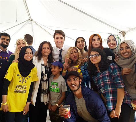 cuisine ramadan canadian pm helps build ramadan food baskets about islam