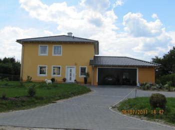 Garage Auf Der Grenze by Haus Und Garage Mittig Auf Grundst 252 Ck Platzieren
