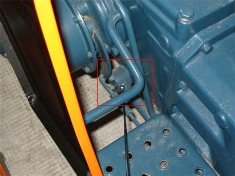 servicing  kubota hydraulic filter suction screen