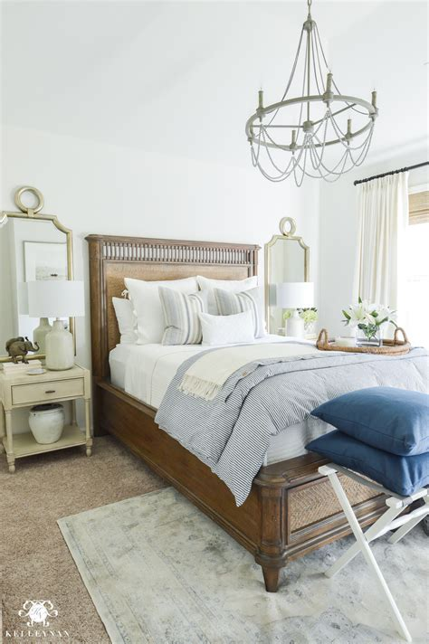 One Room Challenge Classic Blue And White Guest Bedroom