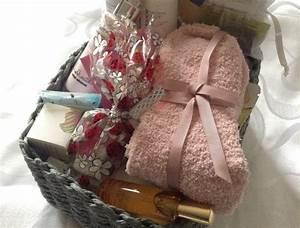 Petit Cadeau Homme : 45 id es de cadeaux pour femme enceinte dans ma tribu ~ Teatrodelosmanantiales.com Idées de Décoration
