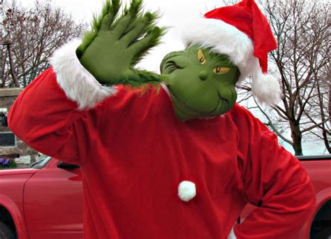 Santa And Grinch Attend Wellyville Christmas Parade