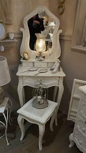 Meuble Shabby Chic : meubles shabby chic romantiques meuble amadeus shabby chic pinterest coiffeuse blanche ~ Teatrodelosmanantiales.com Idées de Décoration