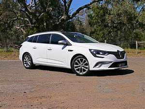 Renault Megane Gt : 2017 renault megane gt line wagon review renault defies the suv trend with typical french flair ~ Medecine-chirurgie-esthetiques.com Avis de Voitures