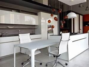 Cucina Elmar modello home Design Laccato Lucido Bianca