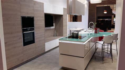 cuisine blanche avec ilot central ilot central cuisine incensecorner