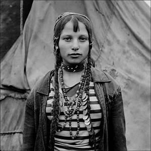 Tribal Mind: Jeremy Sutton-Hibbert & the Romanian Gypsies