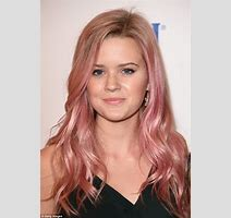 Reese Witherspoon And Daughter Ava Phillipe S Red Carpet Appearance Daily Mail Online