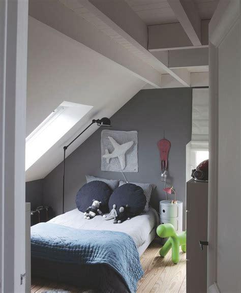 lit pour chambre mansard馥 lit pour chambre mansardee 7 les 25 meilleures id233es concernant pente du toit sur kirafes