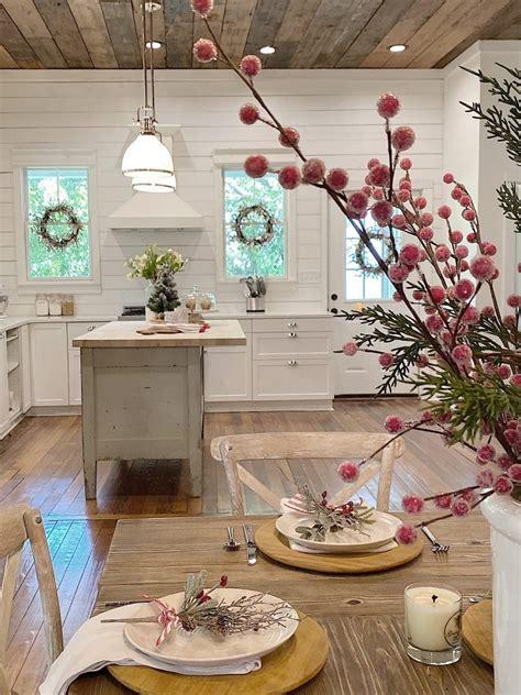 christmas decorating ideas   waco airbnb