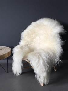 Peau De Mouton : peau de mouton blanche maison saint sa ~ Teatrodelosmanantiales.com Idées de Décoration