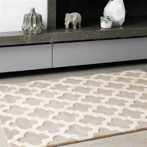 tapis haut de gamme beige  blanc casse artisan sand par