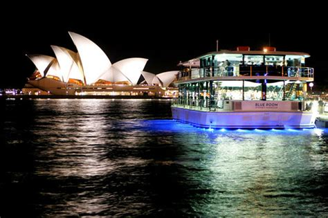 Glass Boat Sydney Harbour Cruise by Sydney New Year S Eve Glass Boat Fireworks Cruise Sydney