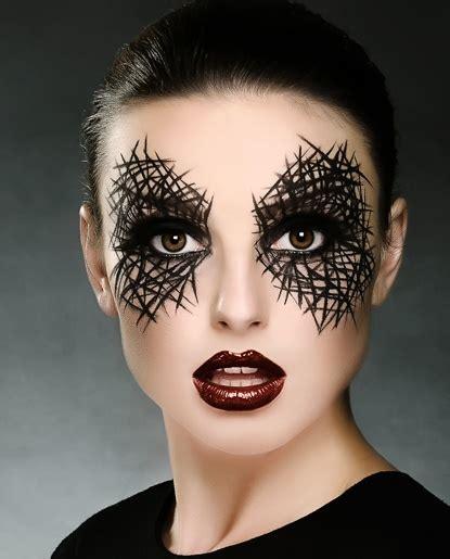21 Creative Halloween Makeup Ideas