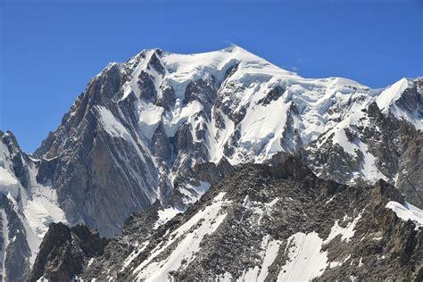 file mont blanc from punta helbronner 2010 july jpg wikimedia commons
