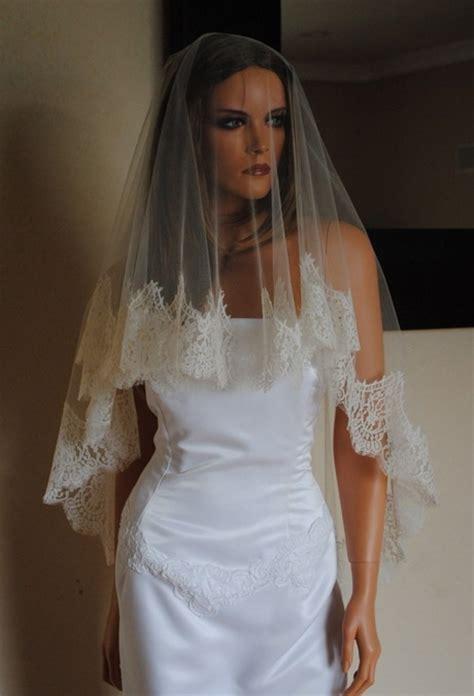 wedding veils  hair