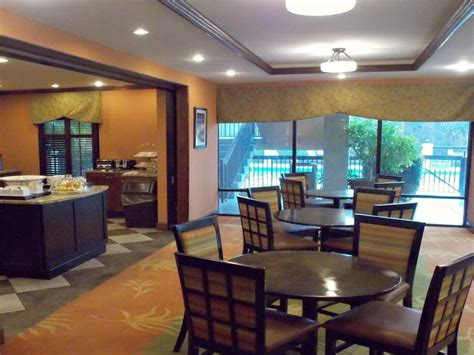 Crestview Hotels off exit 56 Hotels near Mossy Head FL