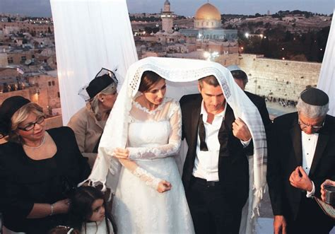 Marriages In Israel Down But Weddings Abroad On The Rise