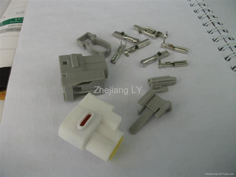 yazaki auto wiring harness connector djf7022 4y 2 21