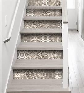 Moderniser un escalier en bois maytop tiptop habitat for Marvelous peindre les contremarches d un escalier en bois 3 contremarches 4 messages