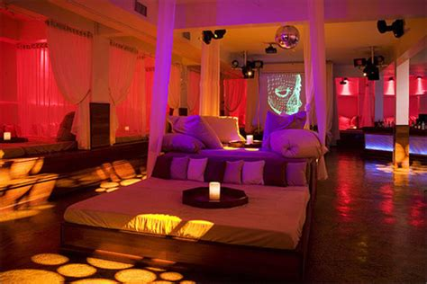 club bed popular miami club b e d goes to sleep as in closes its