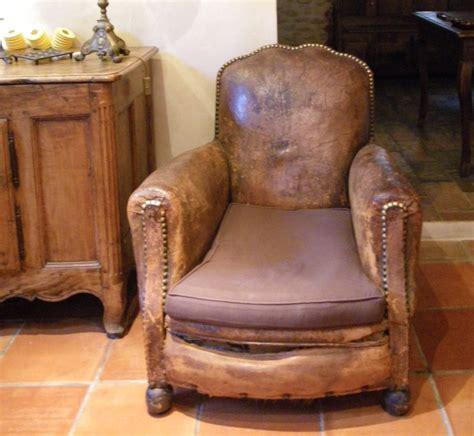 ancien fauteuil club forme peu courante lyre