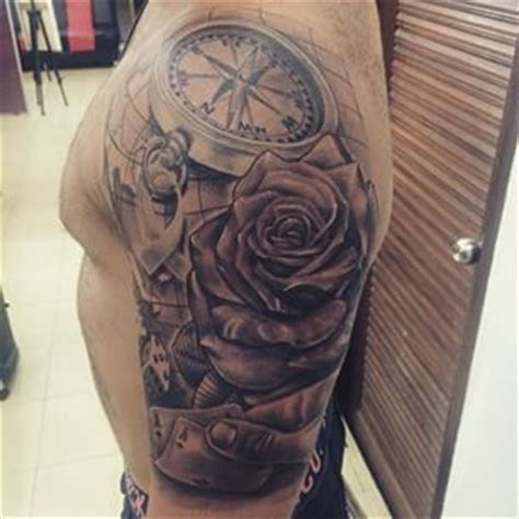 tatouage boussole homme tatouage carte et boussole recherche new ideas tattoos new tattoos