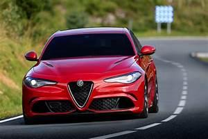 Alfa Romeo Giula : alfa romeo s 510hp giulia quadrifoglio priced from 79 000 in italy laps ring in 7 39 carscoops ~ Medecine-chirurgie-esthetiques.com Avis de Voitures
