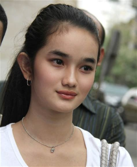 Wanita Hamil Terseksi Skandal Foto Hot Selebriti Sepanjang Tahun 2013 Segiempat
