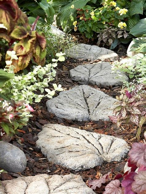 Stepping Stones Garden by Diy Leaf Shaped Stepping Stones The Owner Builder Network