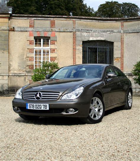 As a pioneer of the automobile. Mercedes-Benz : Déjà 100 000 exemplaires produits du coupé 4 portes CLS