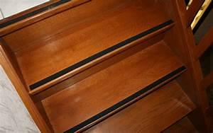 Antidérapant Escalier Bois : escalier en bois glissant comment le rendre moins dangereux blog conseils astuces bricolage ~ Dallasstarsshop.com Idées de Décoration
