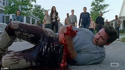 Negan And Crew Brutally Murder Two More